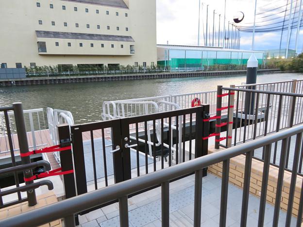 ららぽーと名古屋みなとアクルス前の中川運河水上バス(クルーズ名古屋)の乗船場 - 6