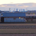 夕暮れ時の大池沿いから見た名駅ビル群 - 4