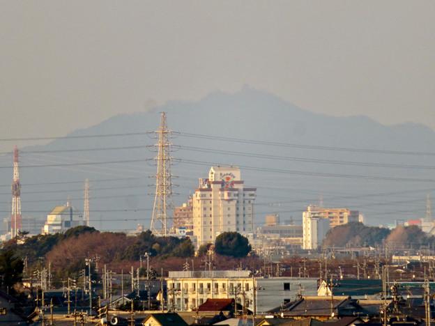 清洲城天守閣から見た景色:シルエットだけかすかに見えた岐阜城・金華山 - 1