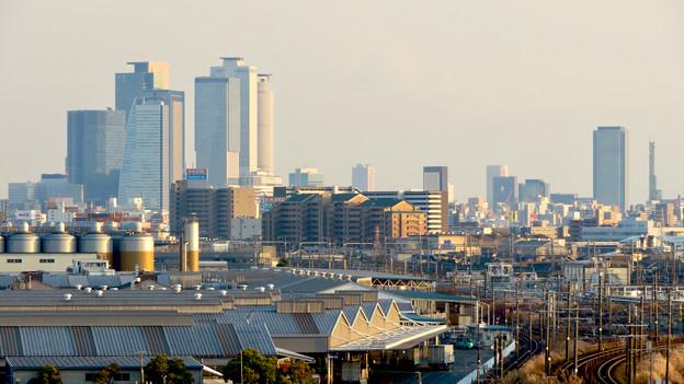 清洲城天守閣から見た景色:名駅ビル群とささしまライブの建物 - 2