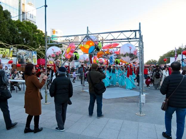 名古屋中国春節祭 2019(昼間)No - 3:カラフルで色んな形をしていた提灯