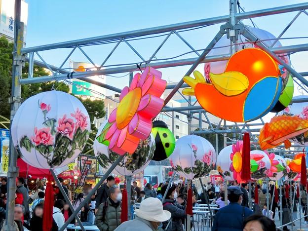名古屋中国春節祭 2019(昼間)No - 5:カラフルでいろんな形をしてた提灯