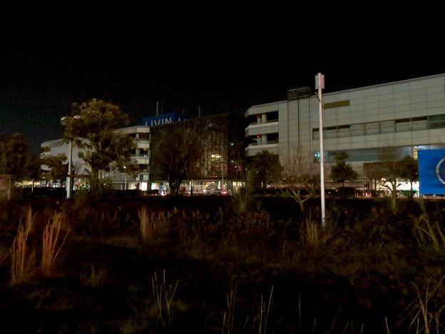 昨日閉店し灯りの消えたザ・モール春日井のステンドグラス - 9