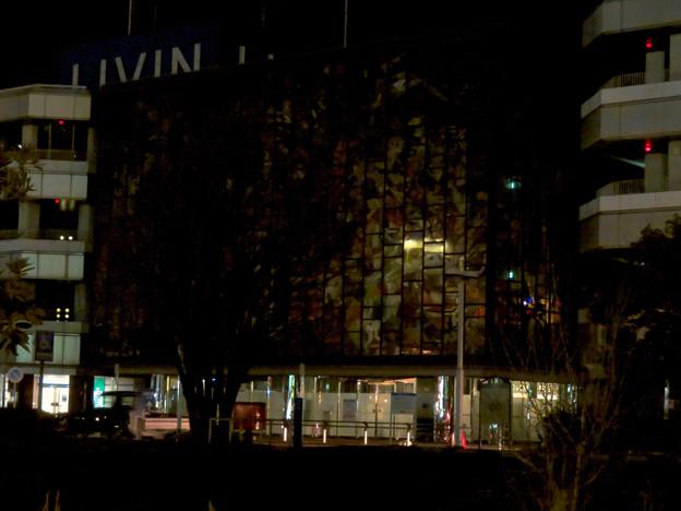 昨日閉店し灯りの消えたザ・モール春日井のステンドグラス - 10