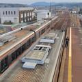 JR可児駅:歩道橋の上から見下ろした太多線の車両 - 1