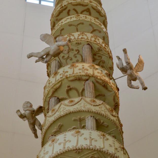 お菓子の城 No - 25:世界一の大シュガーウェディングケーキの天使