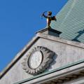 Photos: お菓子の城 No - 64:お城の屋根に設置されてる矢を射る天使像