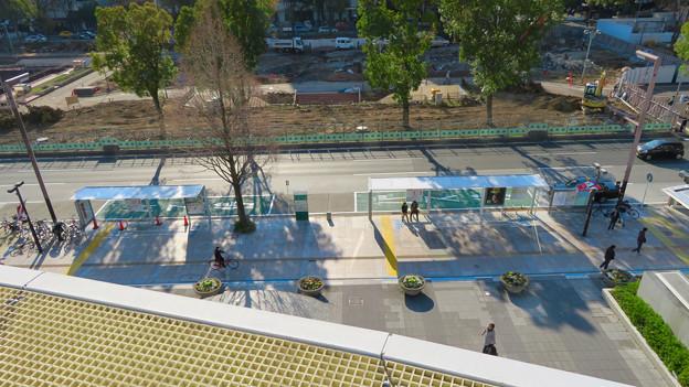 新たに整備されたオアシス21前のバス停 - 1