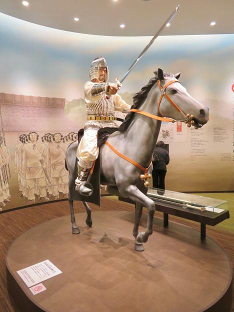 しだみ古墳群ミュージアム「SHIDAMU(しだみゅー)」展示室 No- 15:志段味大塚古墳の王の想像模型