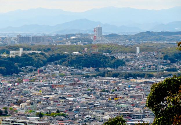 尾張戸神社の展望台から見た景色 - 17:桃花台ニュータウン