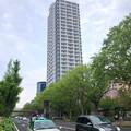 Photos: 若宮大通沿いの高層マンション