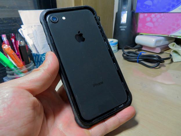 KYOKAのiPhone 7&8用の格安防水・耐衝撃ケース No - 32:iPhone挿入時