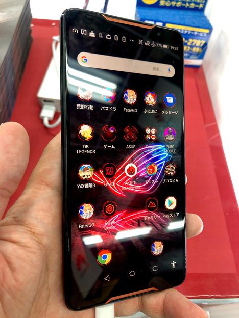 メモリ8GBでやたら動きがキビキビしてたASUSのゲーミングスマホ「ROG Phone」 - 1