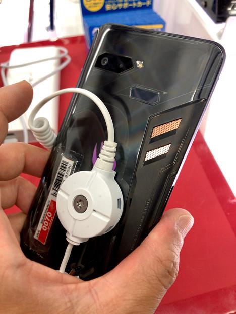 メモリ8GBでやたら動きがキビキビしてたASUSのゲーミングスマホ「ROG Phone」 - 2