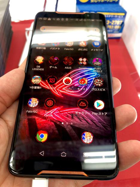 メモリ8GBでやたら動きがキビキビしてたASUSのゲーミングスマホ「ROG Phone」 - 3