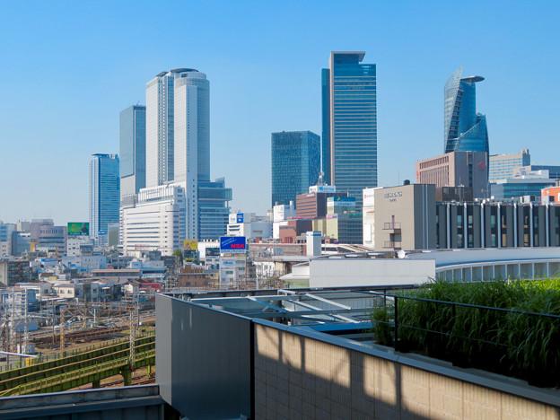 グローバルゲート最上階から見た名駅ビル群 - 1