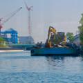 Photos: クルーズ名古屋(2019年5月)No - 13:ショベルカーが積まれた工事用の船