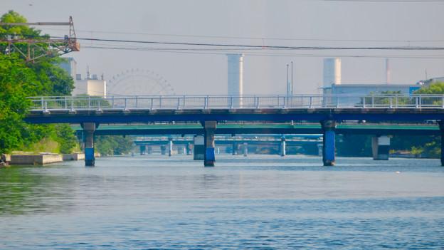 クルーズ名古屋(2019年5月)No - 30:遠くに見えた新名古屋火力発電所の塔とシートレイランドの観覧車