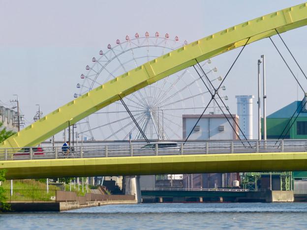 クルーズ名古屋(2019年5月)No - 108:いろは橋越しに見たシートレイランドの観覧車と新名古屋火力発電所の塔