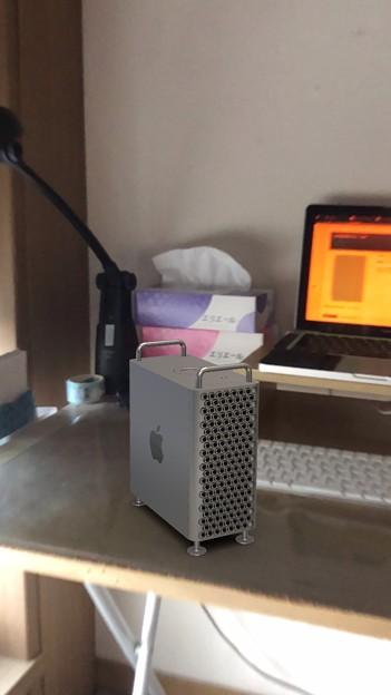 次期Mac Pro公式ページの機能でMac ProをiPhoneでAR表示 - 2