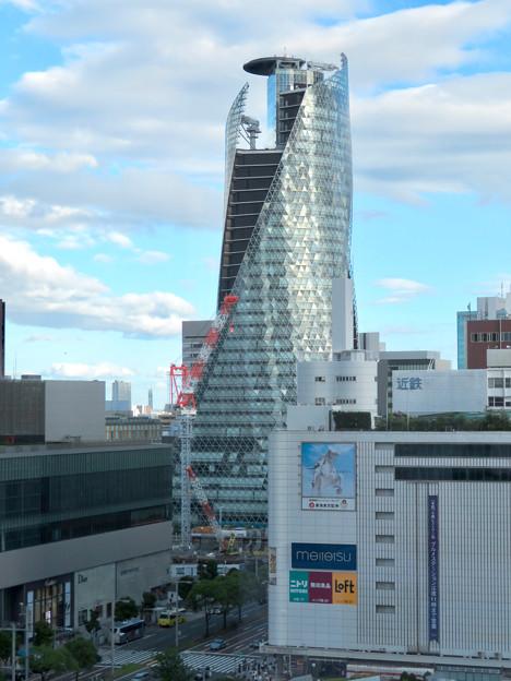 ゲートタワーから見たスパイラルタワーズ - 1