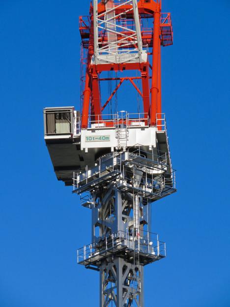 スパイラルタワーズ横の建設工事のクレーン - 5