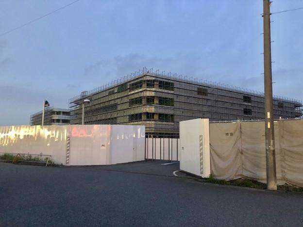Photos: 解体工事中の旧・ザ・モール春日井(2019年7月20日):ステンドグラス部分が丸っと取り除かれる - 1