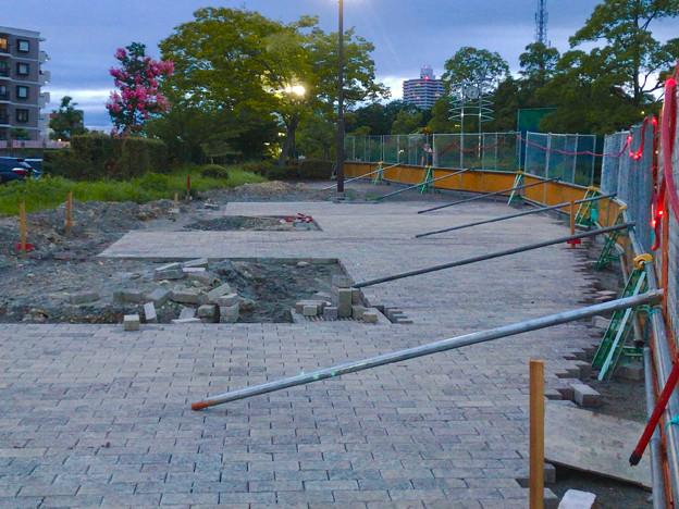 桃花台線の桃花台中央公園南側撤去工事(2019年7月26日):より良くしようとしない愛知県が不便な歩道を復元 - 11