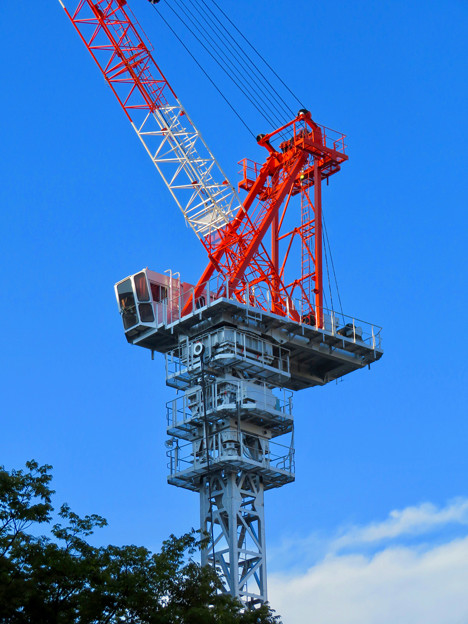 名古屋栄の建設現場に設置されてる巨大クレーン - 2
