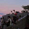 日本ライン夏まつり納涼花火大会の日の犬山成田山 - 14:花火の打ち上げを待ってる人たち