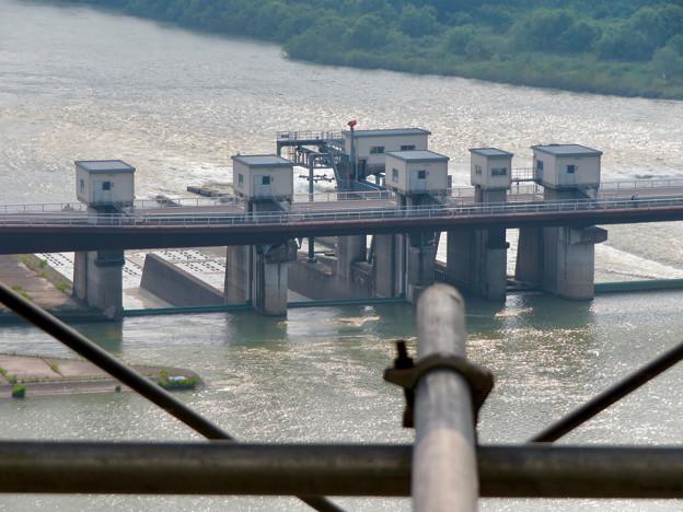 犬山城から見た景色 - 5:ライン大橋の建物
