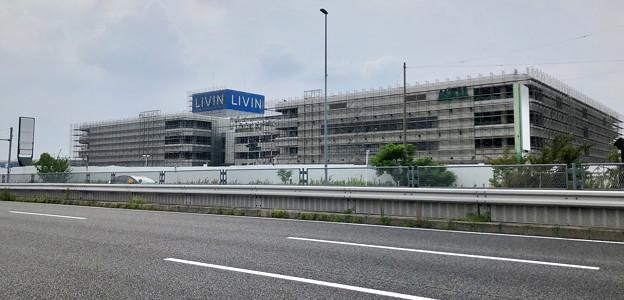 建物全体が足場で覆われた解体工事中のザ・モール春日井(2019年8月19日) - 4