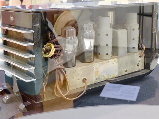 ナディアパーク:ギャラリーで行われてた「Electric Media ラジオの時代」 - 9
