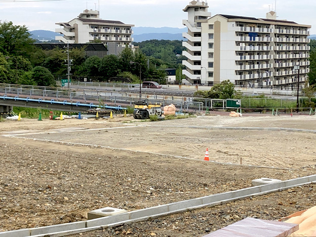桃花台線の桃花台中央公園南側撤去工事(2019年8月31日)- 6:広場にできそうだけど…