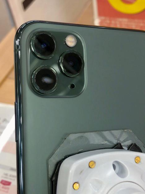 iPhone 11 Pro Max ミッドナイトグリーンモデル No - 3:背面カメラ