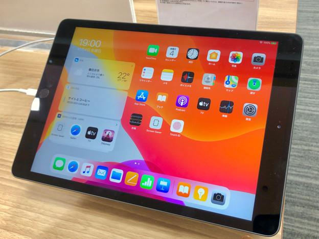 iPad OS 13:ホーム画面(iPad 第7世代 10.2インチ) - 1