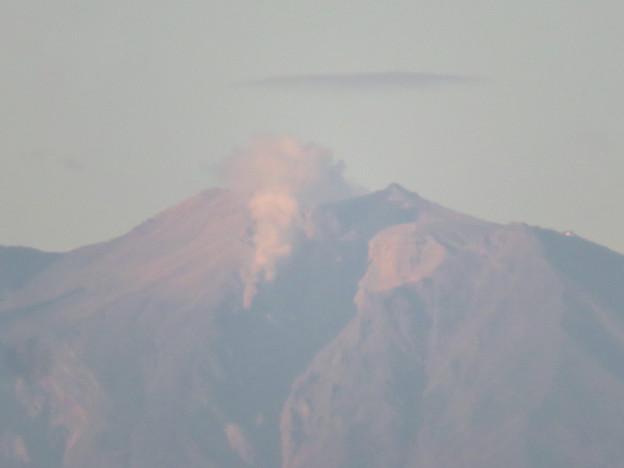 東山スカイタワーから見た御嶽山:噴煙と笠雲(レンズ雲)? - 4
