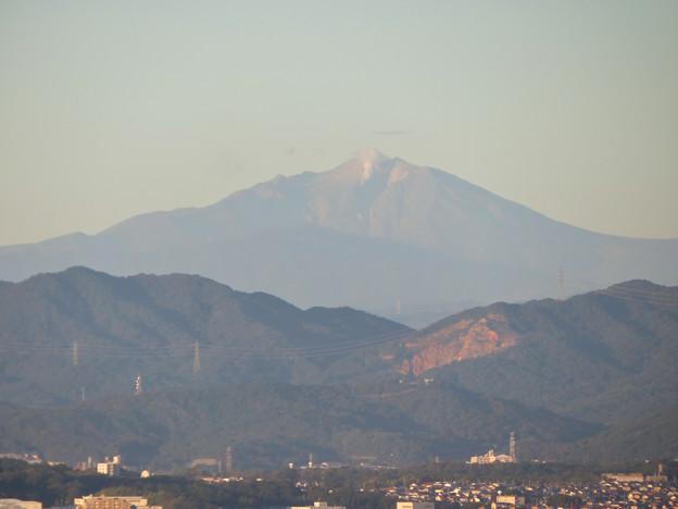 東山スカイタワーから見た御嶽山:噴煙と笠雲(レンズ雲)? - 6