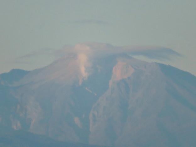 東山スカイタワーから見た御嶽山:噴煙と笠雲(レンズ雲)? - 7