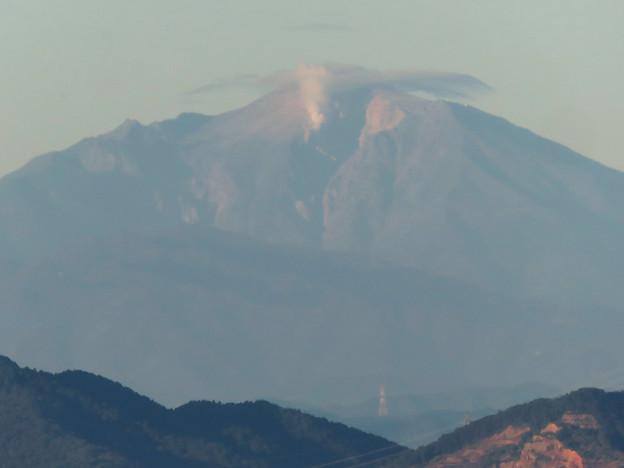 東山スカイタワーから見た御嶽山:噴煙と笠雲(レンズ雲)? - 8