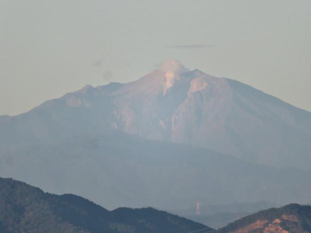東山スカイタワーから見た御嶽山:噴煙と笠雲(レンズ雲)? - 9