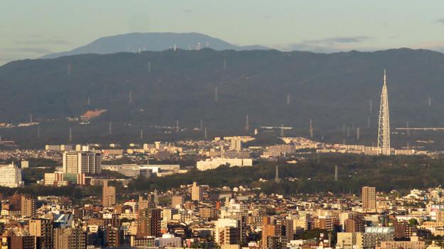 東山スカイタワーから見た景色(2019年10月)No - 7:恵那山と瀬戸デジタルタワー