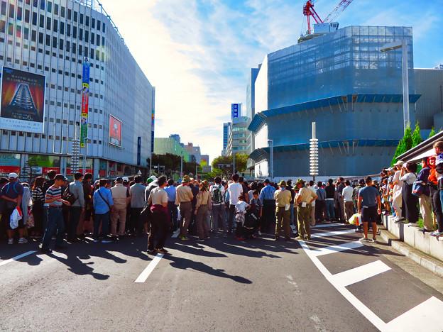 名古屋まつり 2019:大勢の人で賑わうパレード通行中の大津通 - 2