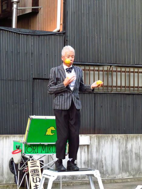 Photos: 大須大道町人祭 2019:三雲いおりさんのパフォーマンス - 3