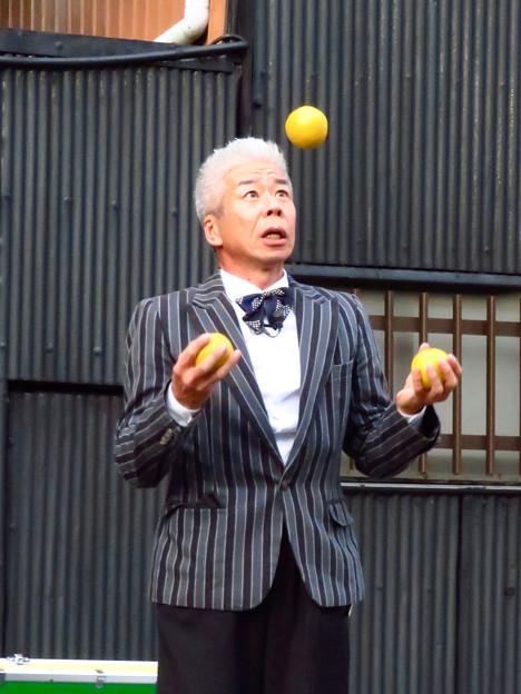 Photos: 大須大道町人祭 2019:三雲いおりさんのパフォーマンス - 5