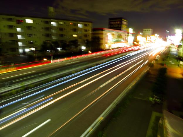 国道19号を走る車の光跡(SX730HSで撮影、8秒、F6.3、ISO 80) - 3