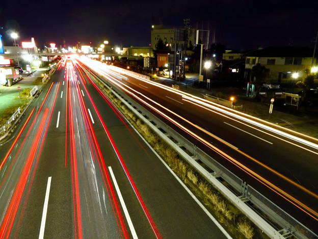 国道19号を走る車の光跡(SX730HSで撮影、8秒、F6.3、ISO 80) - 4