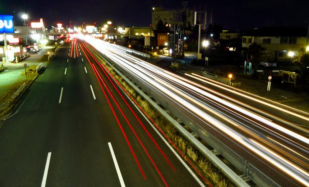 国道19号を走る車の光跡(SX730HSで撮影、8秒、F6.3、ISO 80) - 5