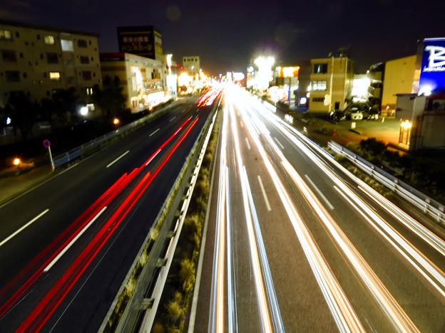 国道19号を走る車の光跡(SX730HSで撮影、8秒、F6.3、ISO 80) - 6