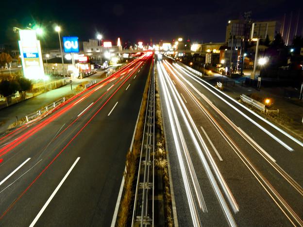 国道19号を走る車の光跡(SX730HSで撮影、8秒、F6.3、ISO 80) - 8